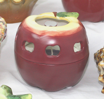 Country Apple TL Holder